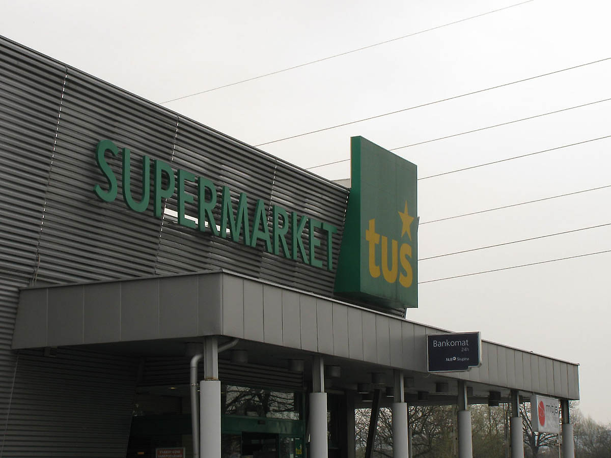 Supermarket building images galleries for Builders to build a house