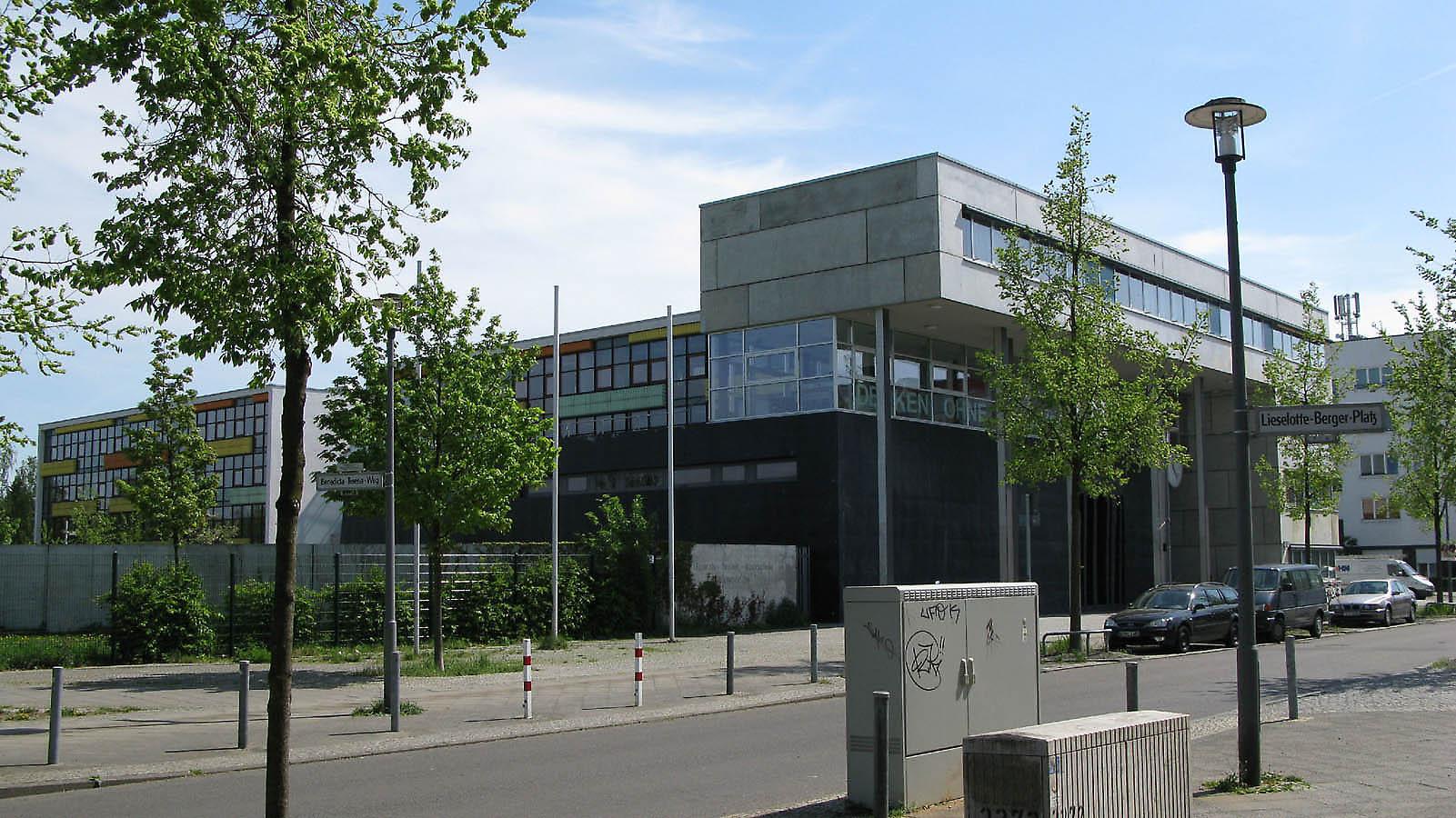 Cool Architekten In Berlin Ideen Von Hannah Arendt Schule Alten Architekten, 2001. Berlin,