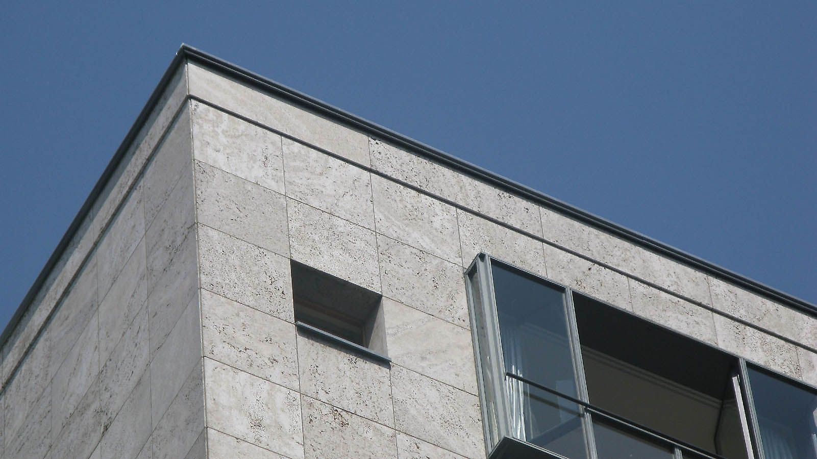 B ge kahlfeldt lindner b ge berlin clipper city home hotel - Houses natural stone facades ...