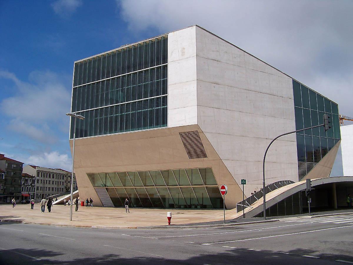 Oma rem koolhaas porto casa da musica for Da architecture