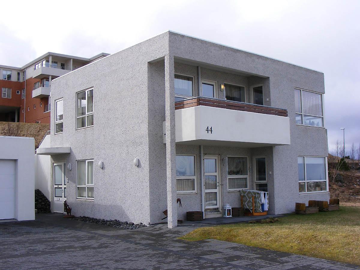 Sveinn 205 Varsson Reykjavik House