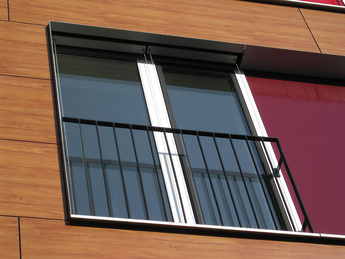 Apartments in hamburg germany for Modern french balcony
