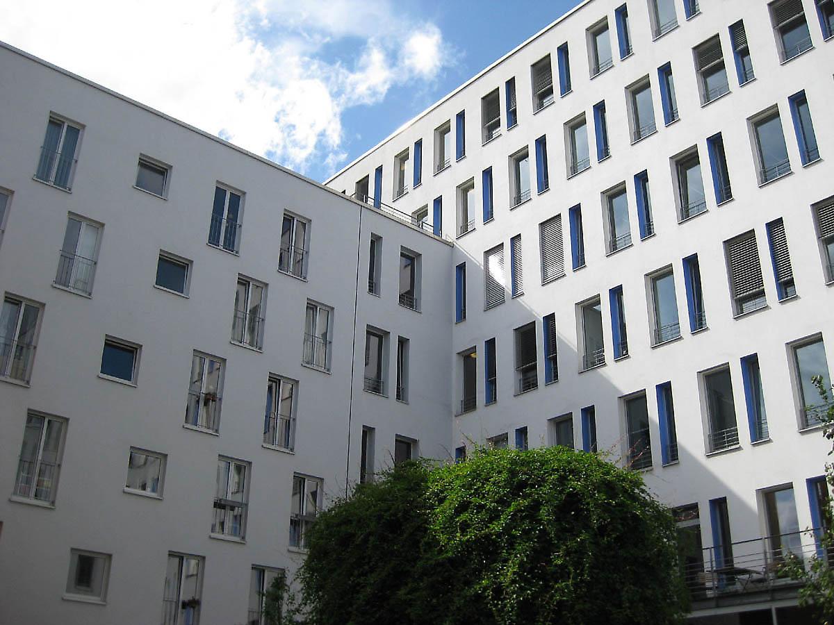 apartments in hamburg germany. Black Bedroom Furniture Sets. Home Design Ideas