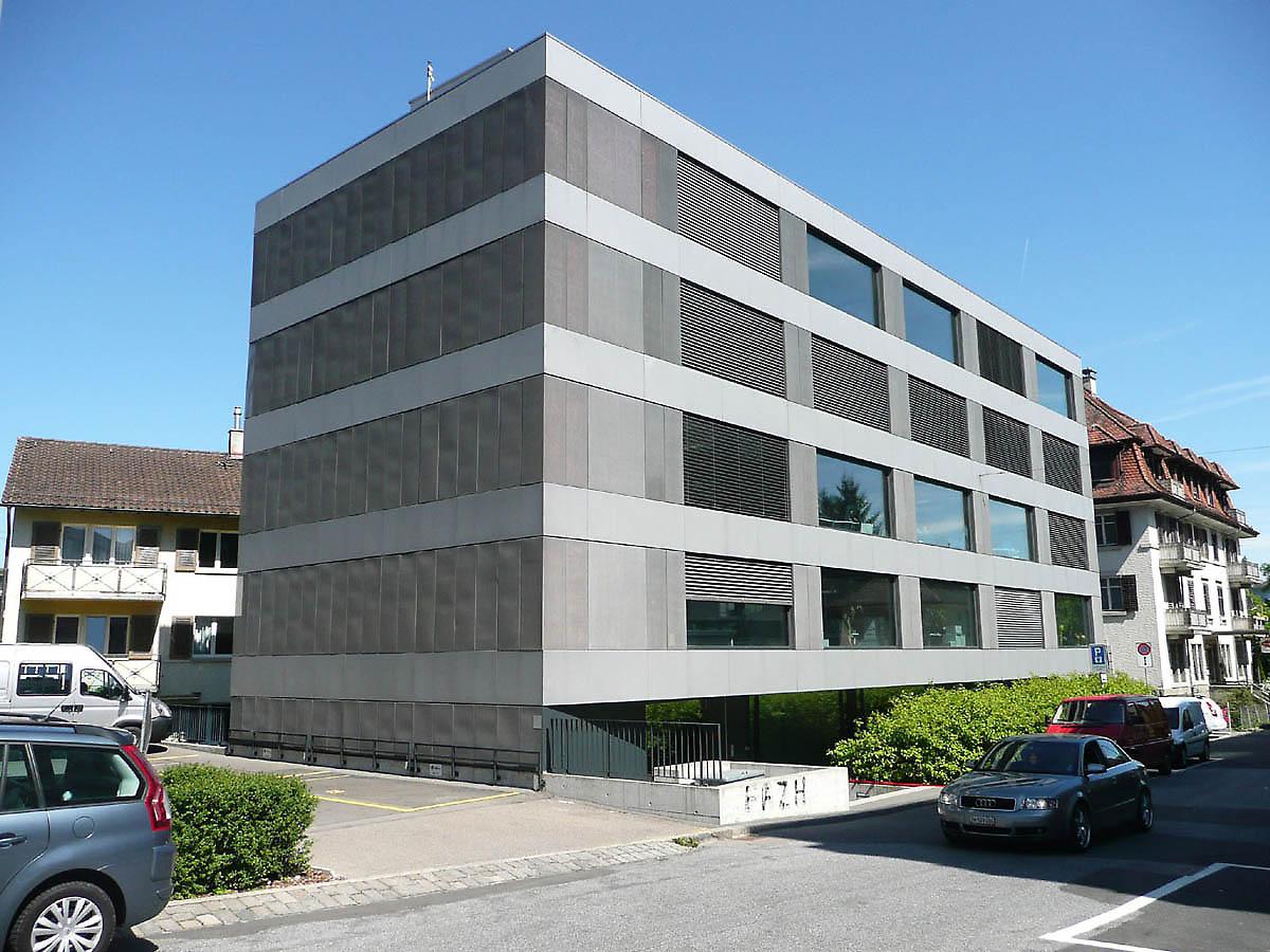 office building in Zur...