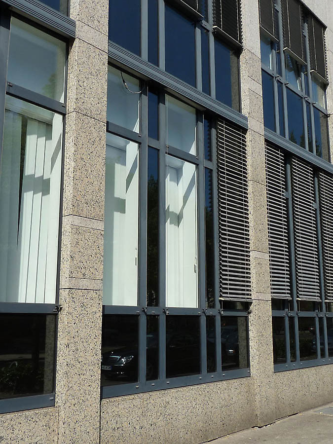 Office building in d sseldorf germany - Houses natural stone facades ...