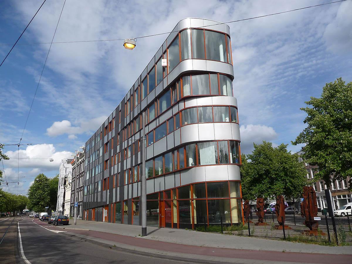 Najpoznatije svetske arhitekte - Page 2 Building-facades-615-1334