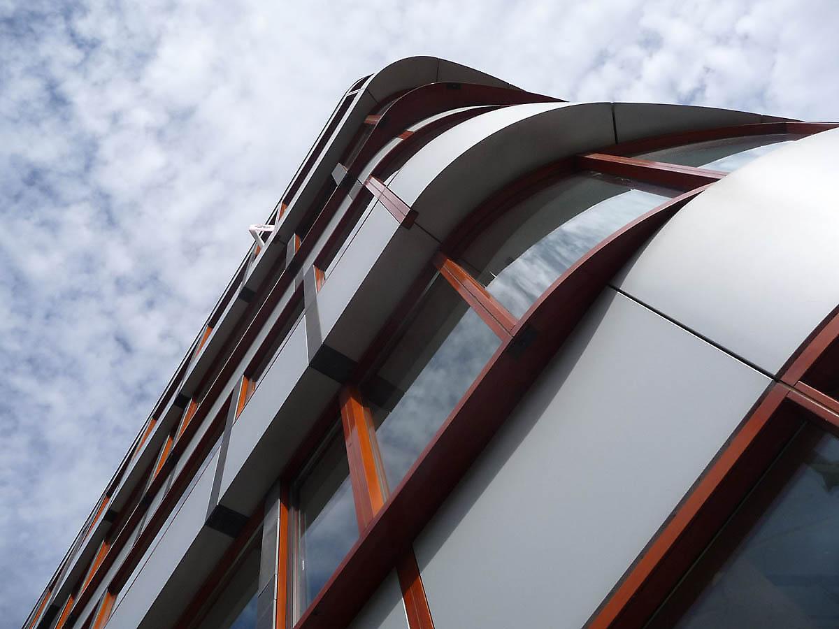 Najpoznatije svetske arhitekte - Page 2 Building-facades-615-1336