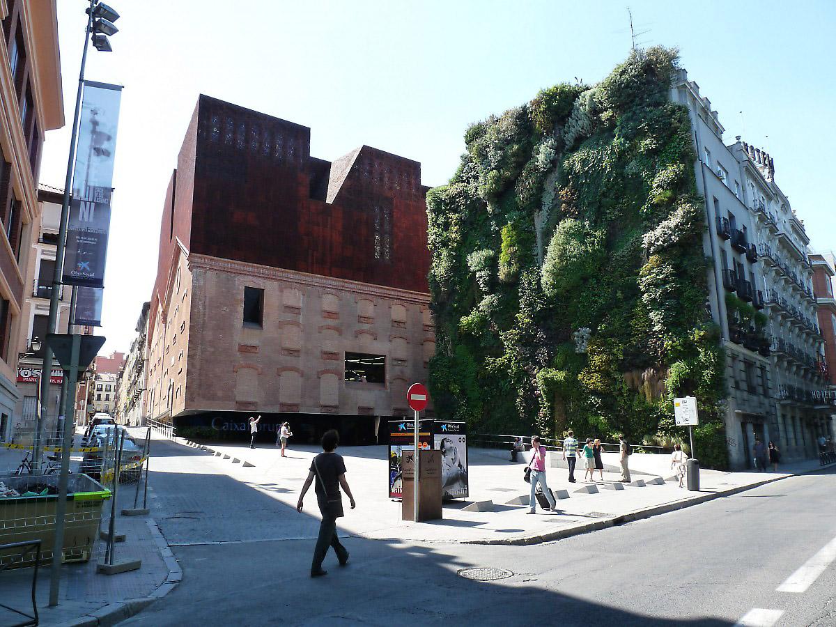 Herzog de meuron madrid museum caixa forum for Herzog de meuron madrid
